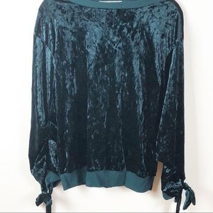 NWOT Gypsies Moondust Velvet Top